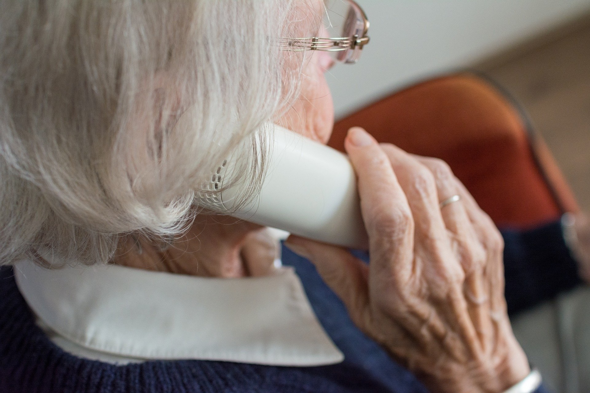 Telefonhilfe gegen die Einsamkeit